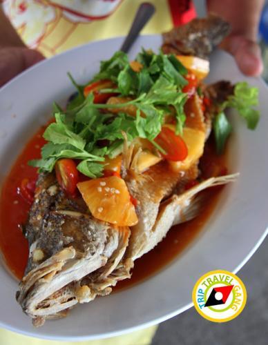 ร้านน้องอุ้มอาหารทะเล อัมพวา สมุทรสงคราม (1)