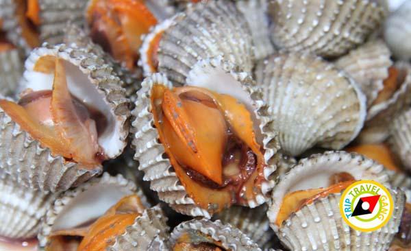 ร้านผ่องพรรณกุ้งเผา – ปลาเผา ตลาดกลางเพื่อเกษตรกร (1)