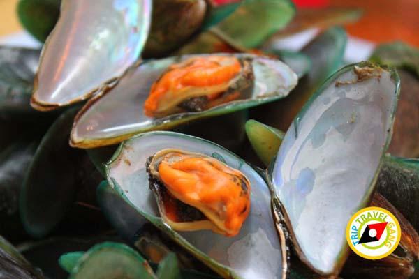 ร้านผ่องพรรณกุ้งเผา – ปลาเผา ตลาดกลางเพื่อเกษตรกร (11)