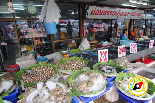 ร้านผ่องพรรณกุ้งเผา – ปลาเผา ตลาดกลางเพื่อเกษตรกร (2)