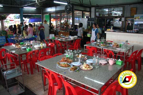 ร้านอาหารกุ้งเพื่อนแพรว ตลาดกลางเพื่อเกษตรกร อยุธยา (12)