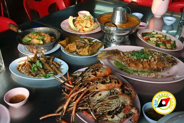 ร้านอาหารกุ้งเพื่อนแพรว ตลาดกลางเพื่อเกษตรกร อยุธยา (17)