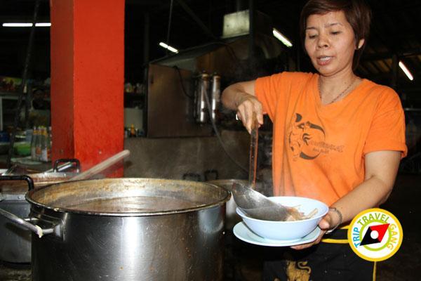 ร้านอ้อมตีนไก่ ถนนแสงชูโต เมืองกาญจนบุรี (11)