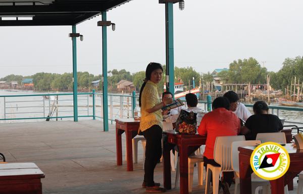 ครัวบ้านประมง  ร้านอาหารซีฟู้ด ริมทะเลบางขุนเทียน แนะนำ อร่อย Seafood  (26)