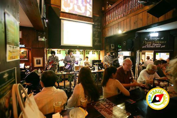 ฟลานโอเบรียนส์ไอริชผับ สาขาสีลม ชวนดื่มเบียร์เชียร์บอล เอาใจคอฟุตบอลยูโร 2016 (2)