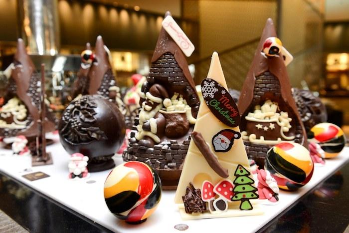 4-festive-season-at-holiday-inn-bangkok